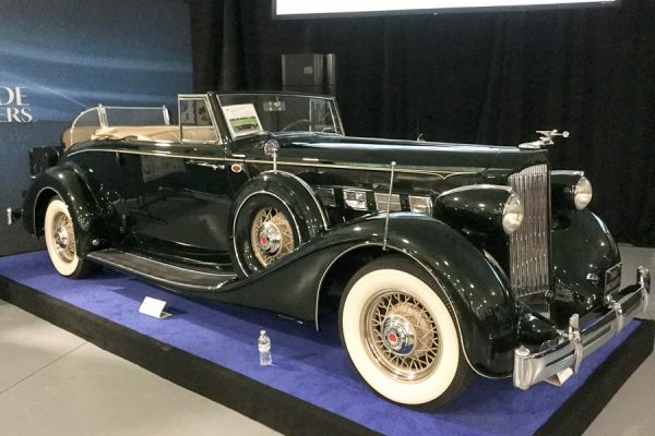 WorldwideAuctioneersAuburn2019_25_Packard_1935_Super-Eight-Series-1204-Base_Coupe-Roadster_8592260_Exterior_900